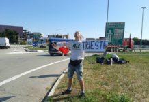 Mateusz Gierczak hitchhiking