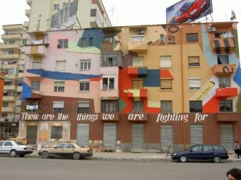 Colorful_building_in_Tirana