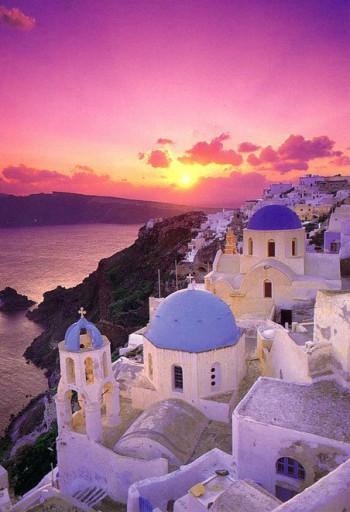 SU Athina Santorini sunset