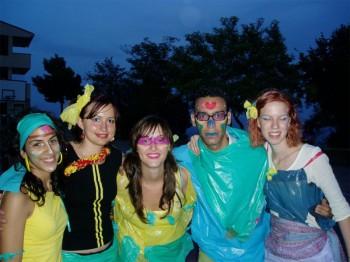 VolunteeringSU2004-3
